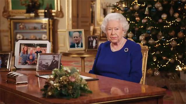 """Елизавета II  поддержала решение принца Гарри начать """"новую жизнь"""""""