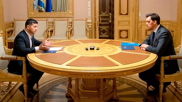Зеленский не принял отставку премьер-министра Украины Гончарука