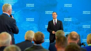 """Медведев останется председателем партии """"Единая Россия"""""""