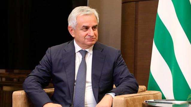 Рауль Хаджимба ушел с поста президента Абхазии
