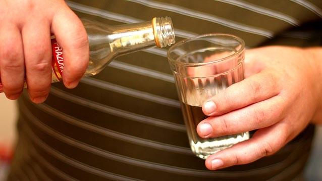 """Главный нарколог Минздрава: треть россиян - """"тихие алкоголики"""", вообще не попадающие в официальную статистику"""
