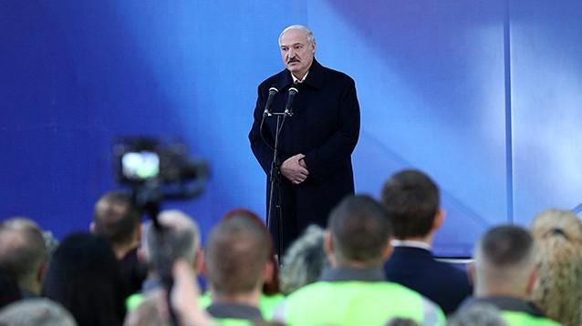 """Лукашенко заявил о готовности к отбору транзитной нефти из нефтепровода """"Дружба"""""""