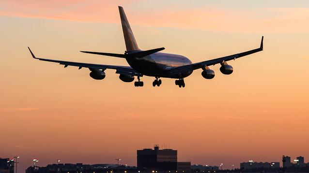 РФ с субботы прекращает любые авиаперелеты за границу