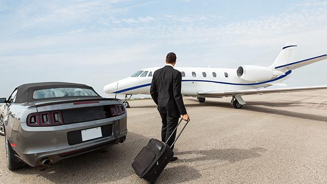 """Как богатые россияне в пандемию повадились летать за рубеж на """"бизнес-маршрутках"""""""