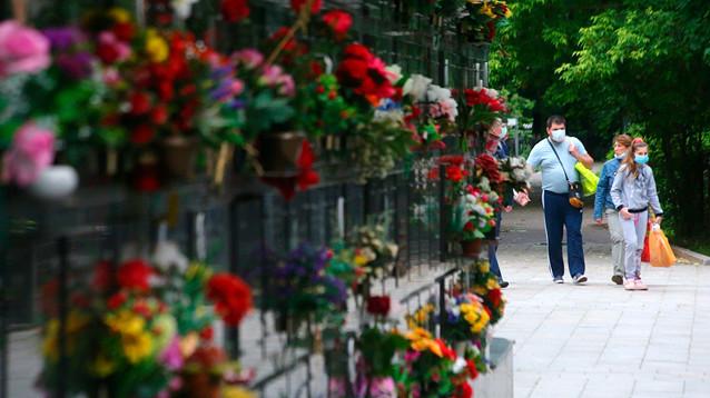 Росстат: смертность в июне в России увеличилась на 25 тыс. человек, почти у половины был коронавирус