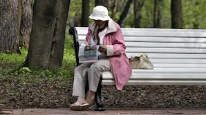 Большинство россиян не могут позволить себе досрочно выйти на пенсию: не на что будет жить