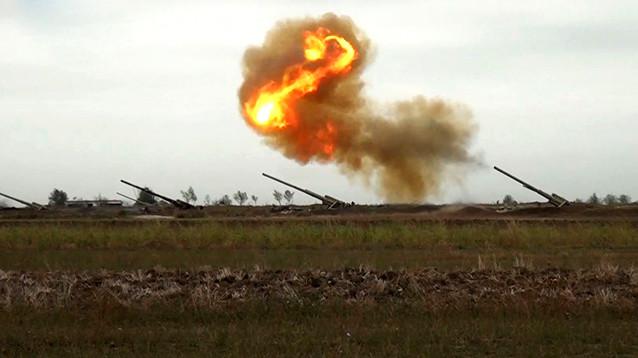 Армения и Азербайджан рапортуют об успехах, публикуя ВИДЕО танковых боев, уничтожения техники и артобстрелов