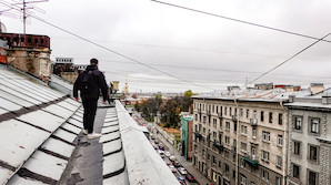 """В Петербурге решили посчитать """"популярные"""" крыши и установить там видеокамеры"""