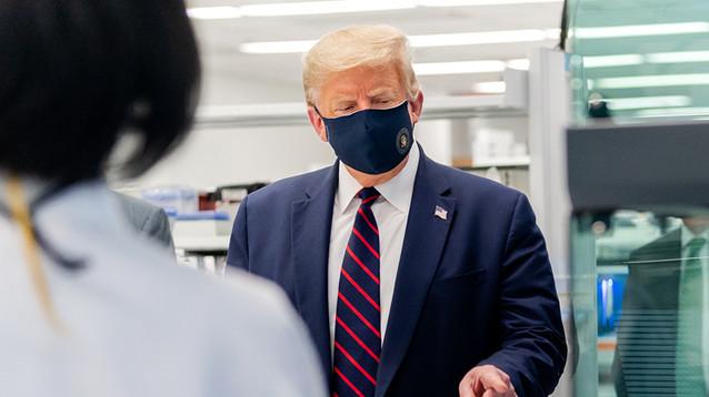 """Трамп оказался главным распространителем """"фейк-ньюс"""" о коронавирусе в мире"""