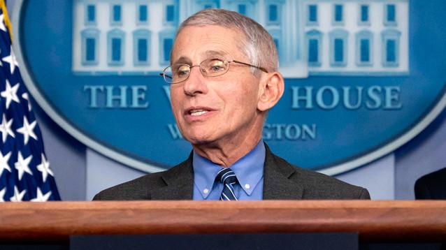 Главный инфекционист США Фаучи согласился остаться на этом посту при Байдене