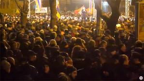 В Ереване прошел митинг за отставку Пашиняна. А он предложил отказаться от парламентской республики